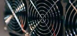 Компания MicroBT, конкурент Bitmain, продолжает наращивать свою долю на рынке биткоин-майнинга